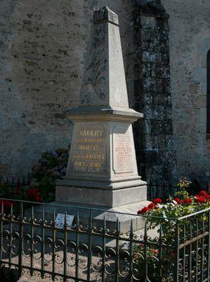 Vaulry le monument aux morts