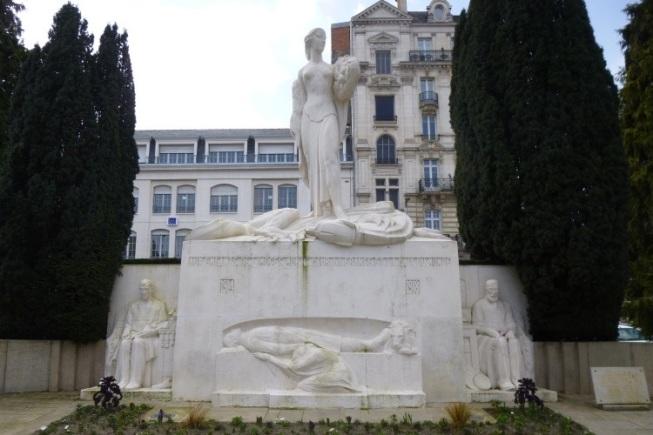 8. Les Morts pour la France de Limoges