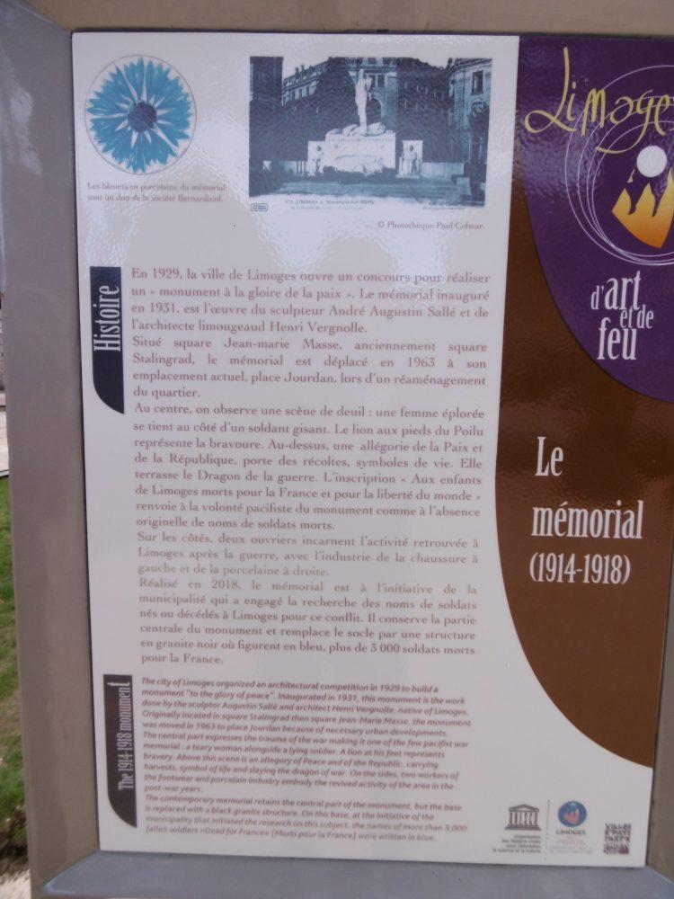 Panneau d'information du mémorial