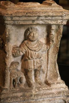 Le dieu Sucellus avec son marteau