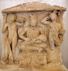 Stèle de Cernunnos, entre Apollon et Mercure, IIe siècle