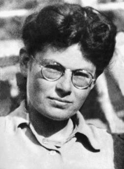 Marianne Cohn, (1922 – 1944). Résistante allemande, arrêtée puis torturée et exécutée par la Gestapo à Annemasse pour avoir conduit des enfants juifs vers la Suisse.<br /> © Rue des Archives / Tal