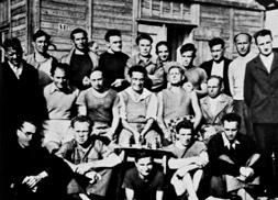 Les fusillés de Chateaubriant, (Loire Atlantique). En août 1941 les nazis décidèrent d'exécuter un groupe de prisonniers français considérés comme « otages », en représailles de tout acte de résistance.  © Gerald Bloncourt / Rue des Archives