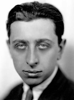 Robert Desnos, (1900 – 1945). Poète français.<br /> © Henri Martinie / Roger – Viollet