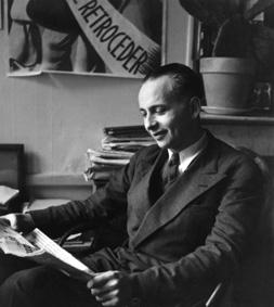 Louis Aragon, (1897 – 1982). Écrivain français. Vers 1940. © akg – images