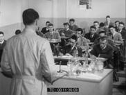 Classe de chimie, réalisé par Daniel Lecomte